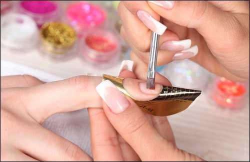 содовый раствор:  доступное лекарство для спринцевания, полоскания горла, от боли зубов