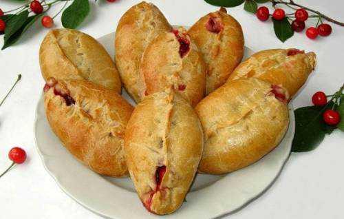 пирожки со свекольной ботвой